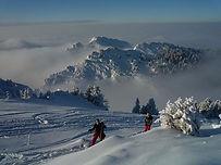 Un itinéraire perdu entre la Ruchère et Saint-Pierre d'Entremont, où nous croiserons des skieurs et raquettistes partis pour les deux Soms. Un joli petit parcours pour débutants en ski de rando.