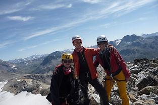 Alpinistes débutants, partons vers des sommets accessibles qui nous plongeront néanmoins déjà dans l'ambiance de haute montagne