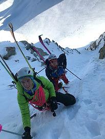 Partons chercher des itinéraires plus alpins, des descentes plus raides pour trouver des sensations fortes dans une belle ambiance montagne !
