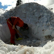 Session (re)construction d'igloo avec Et
