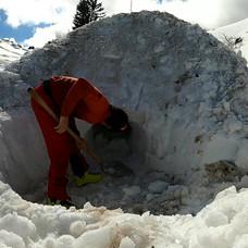 Session (re)construction d'igloo avec Et
