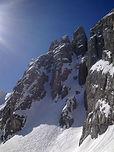 Relief unique en Vanoise, le massif de la Portetta regorge de tours et gorges, à la façon des Dolomites. La brèche permet de passer facilement de la vallée de Courchevel à Pralognan-la-Vanoise, à condition d'en affronter ses pentes raides !