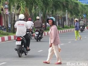 Vấn đề an toàn giao thông của người đi bộ