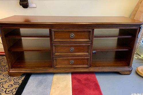 Hooker Furniture Home Brookhaven Credenza