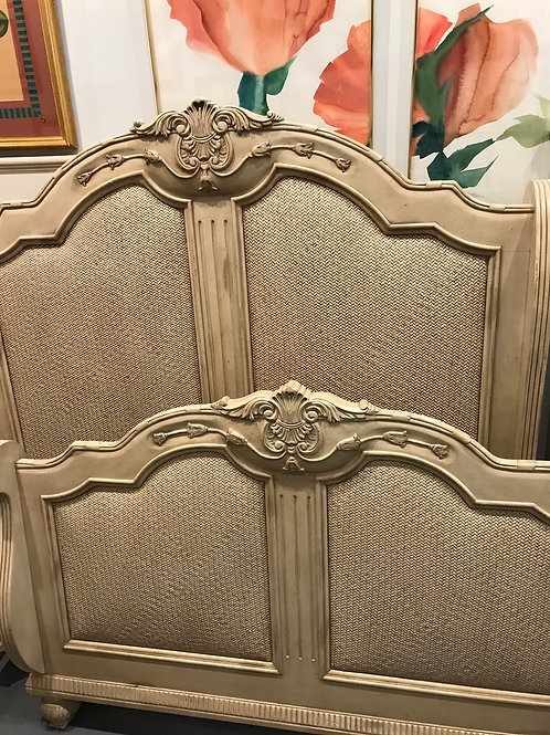 Laura Ashley Queen Bed by Kincaid Furniture