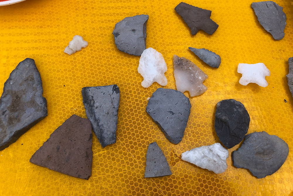 Prehistoric Californian flint and stone spearpoints and arrowheads