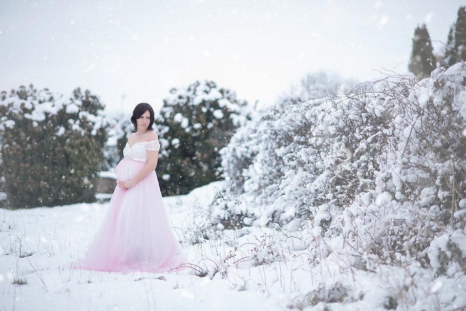 Séance_grossesse_dans_la_neige-3.jpg