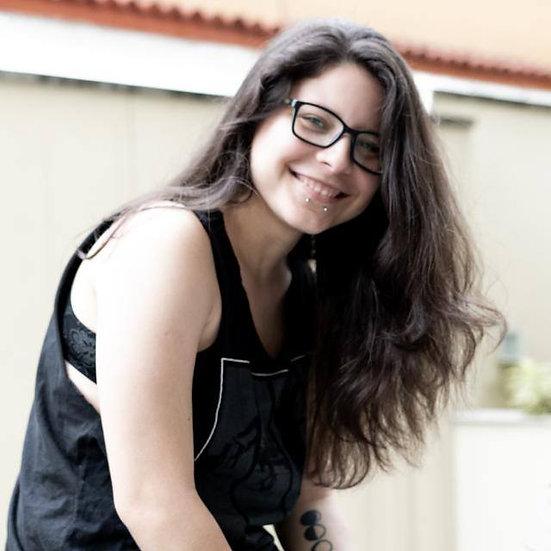 Lara Carvalho