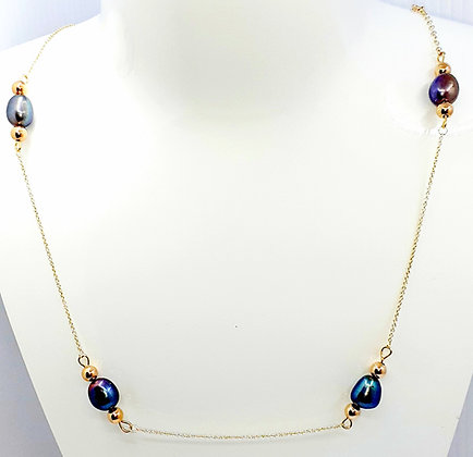 9 carat Gold necklace with Black pearls