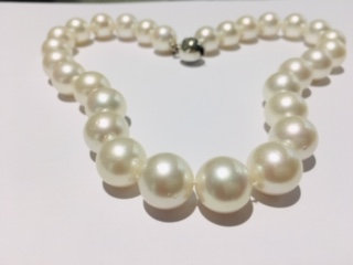01 White Southsea Necklace