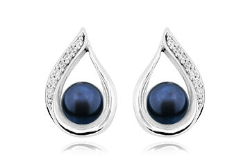 E35 Silver and Black Fresh Water Pearl Earring