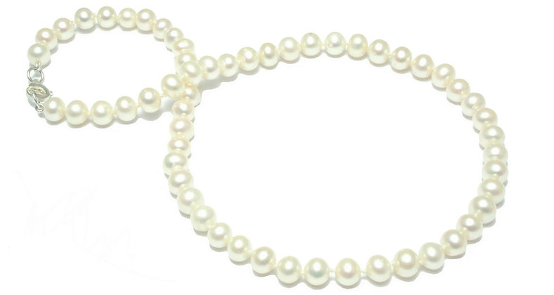 N62  White Fresh Water Round 6mm Pearl Necklace
