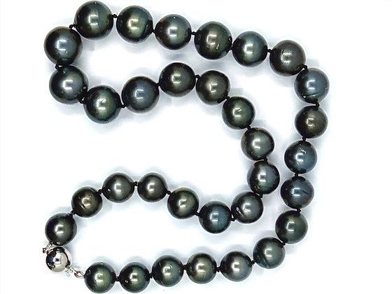 Dark GreenTahitian Necklace