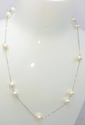 White Freshwater pearl, set on Sterling Silver 18 inches