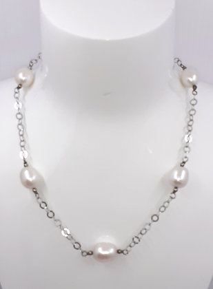 White Freshwater pearl, set on Sterling Silver