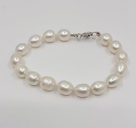 White Fresh water pearl Bracelet, see all sizes.