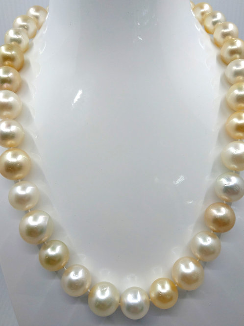 """South Sea 13 white and yellow 18""""  with white gold clasp"""