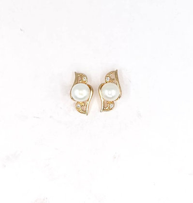 9ct and diamond earrings with pearl