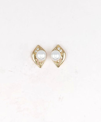 9ct and diamond earrings with pear