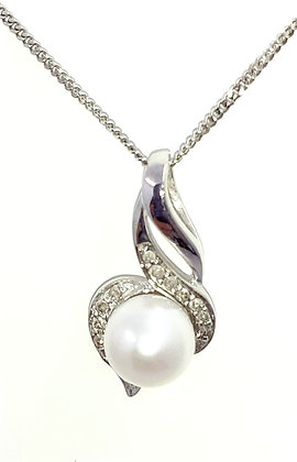 9ct white gold, Fresh water pearl pendant