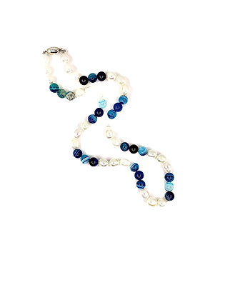 Sodalite and fresh water pearl necklace 03