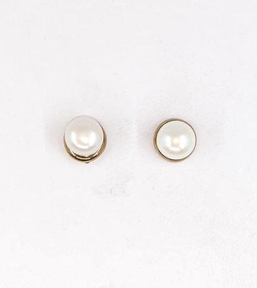 9ct and fresh water pearl stud earrings