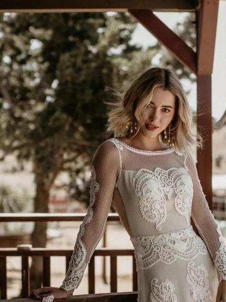 10 Best Websites for Elopement/Micro Wedding Dresses
