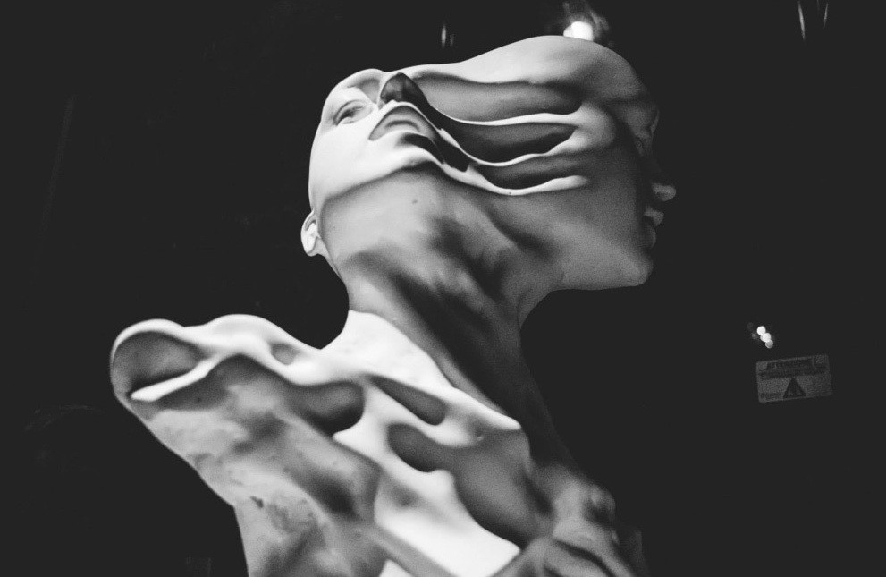 sculpture, classical, modern, art, artist, howl magazine, sculptors you should know, new york, art, fine art, enrico ferrarini, italian, florence, millennial, fast, blur, digital, digital sculpture, special effects