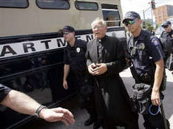 Father Weslin Arrested again for Praying the rosary 3.jpg