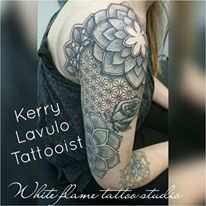 kerry lavulo tattooist