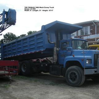 T69 1985 Mack Dump Truck.JPG
