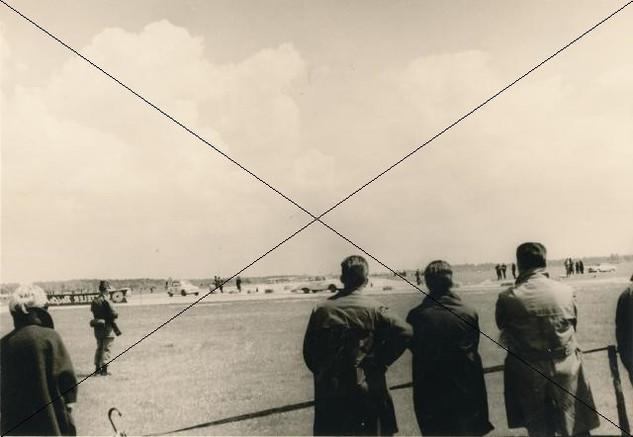 Autorennen am Flugplatz 1961 (10).jpg