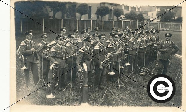Musikzug der Fliegergruppe 1938.jpg