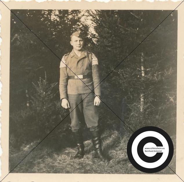 Soldat vom Musikzug (4).jpg