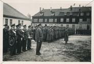 Apell bei den Kasernen der Flugschüler