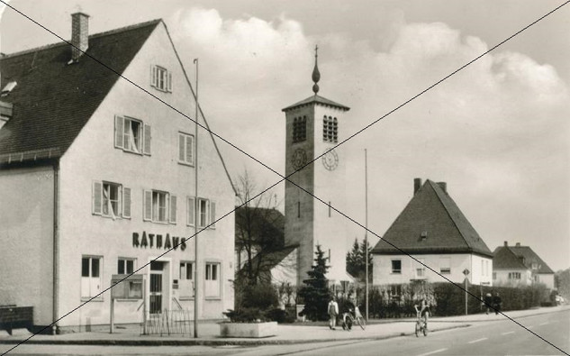 Bezirksstrasse Lohhof.jpg
