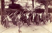 Französische Gefangene am Kanal