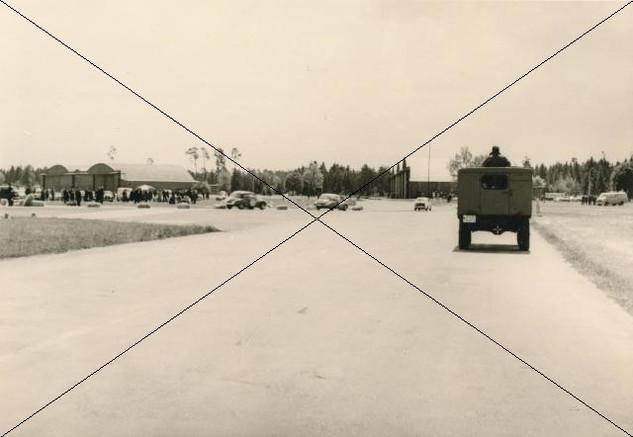 Autorennen am Flugplatz 1961 (1).jpg