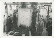 Ehrenbezeugung am Denkmal 1934