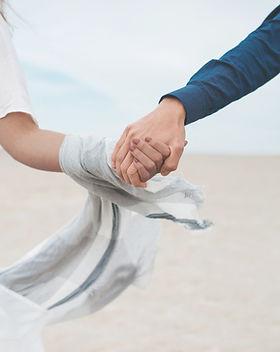 恋人手をつなぐ
