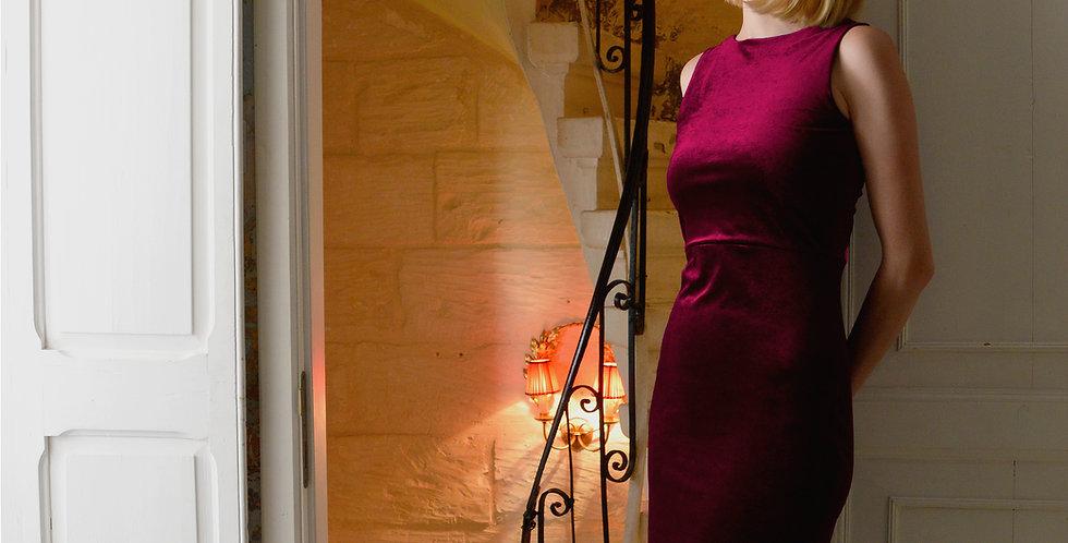 Marilyn Fitted Bodycon Dress in Red Velvet