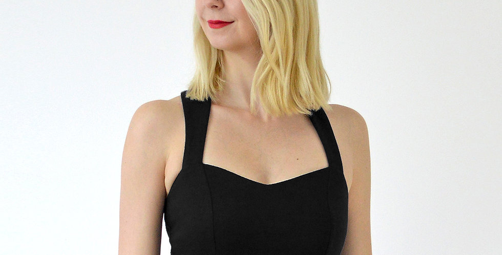 Vintage Style Sweetheart Strap Fitted Crop Top in Black front view