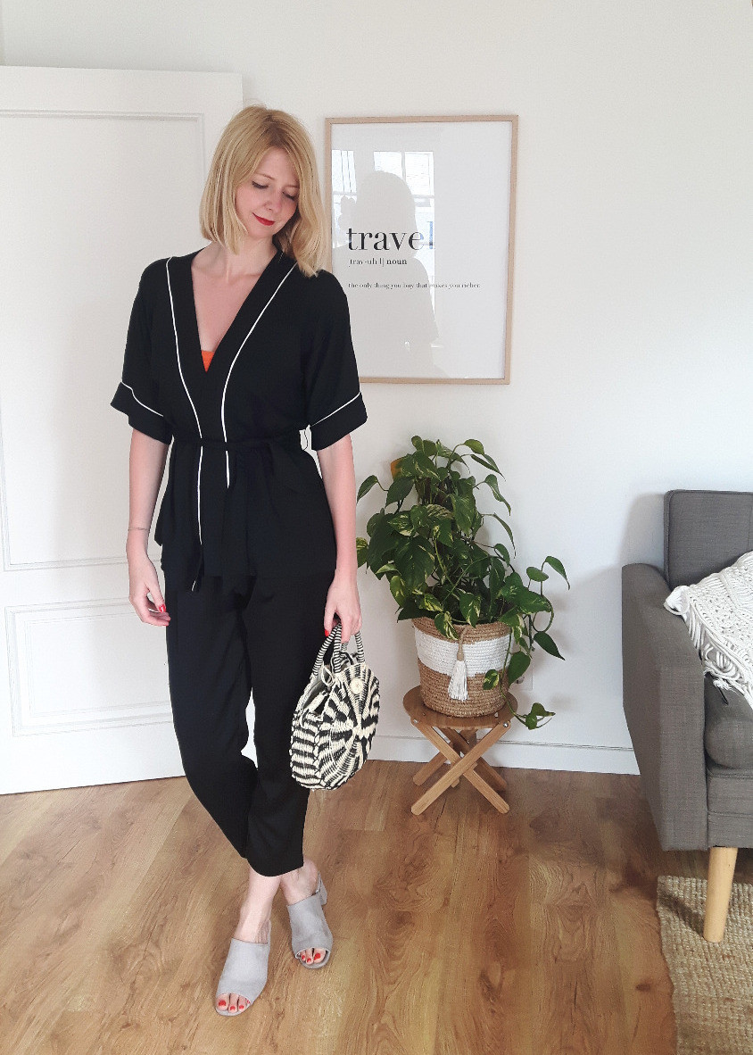 Black kimono shirt outfit