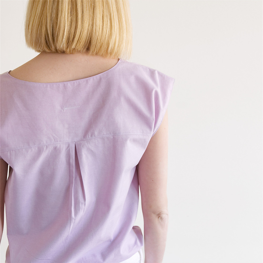 Back detail of Lana summer blouse in lilac