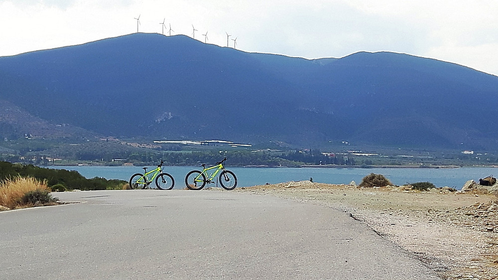 Cycling around Poros