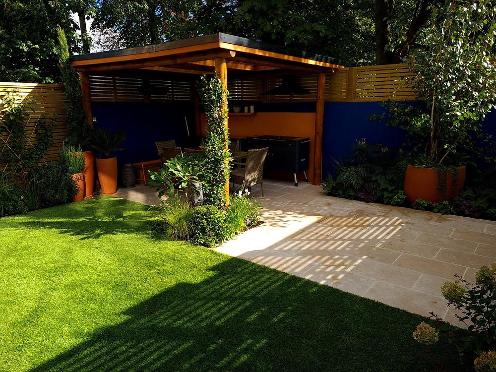 Urban Garden with Outdoor Kitchen Pergola and Terrace