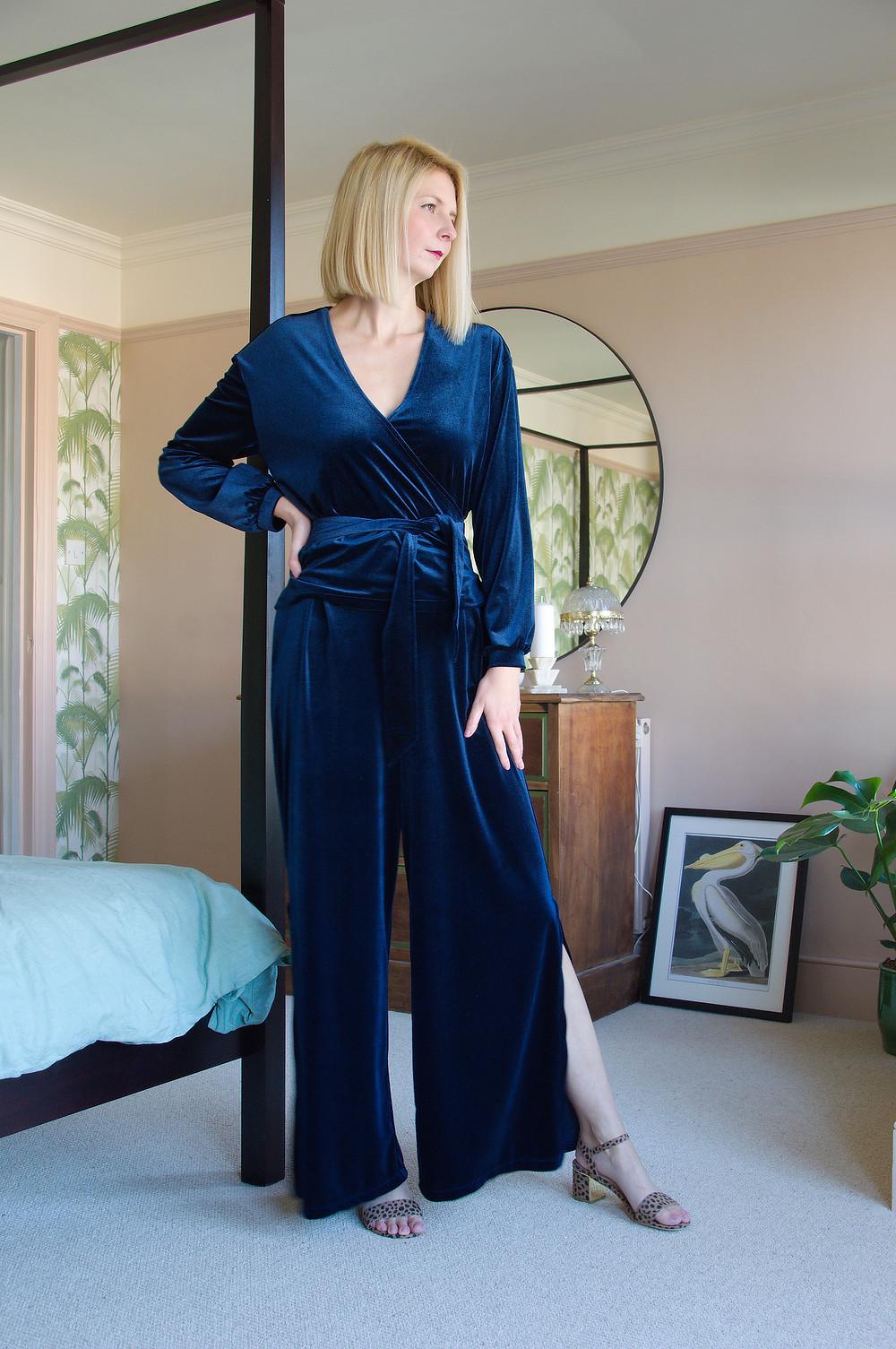 Vintage style velvet loungewear set by Stylecamp