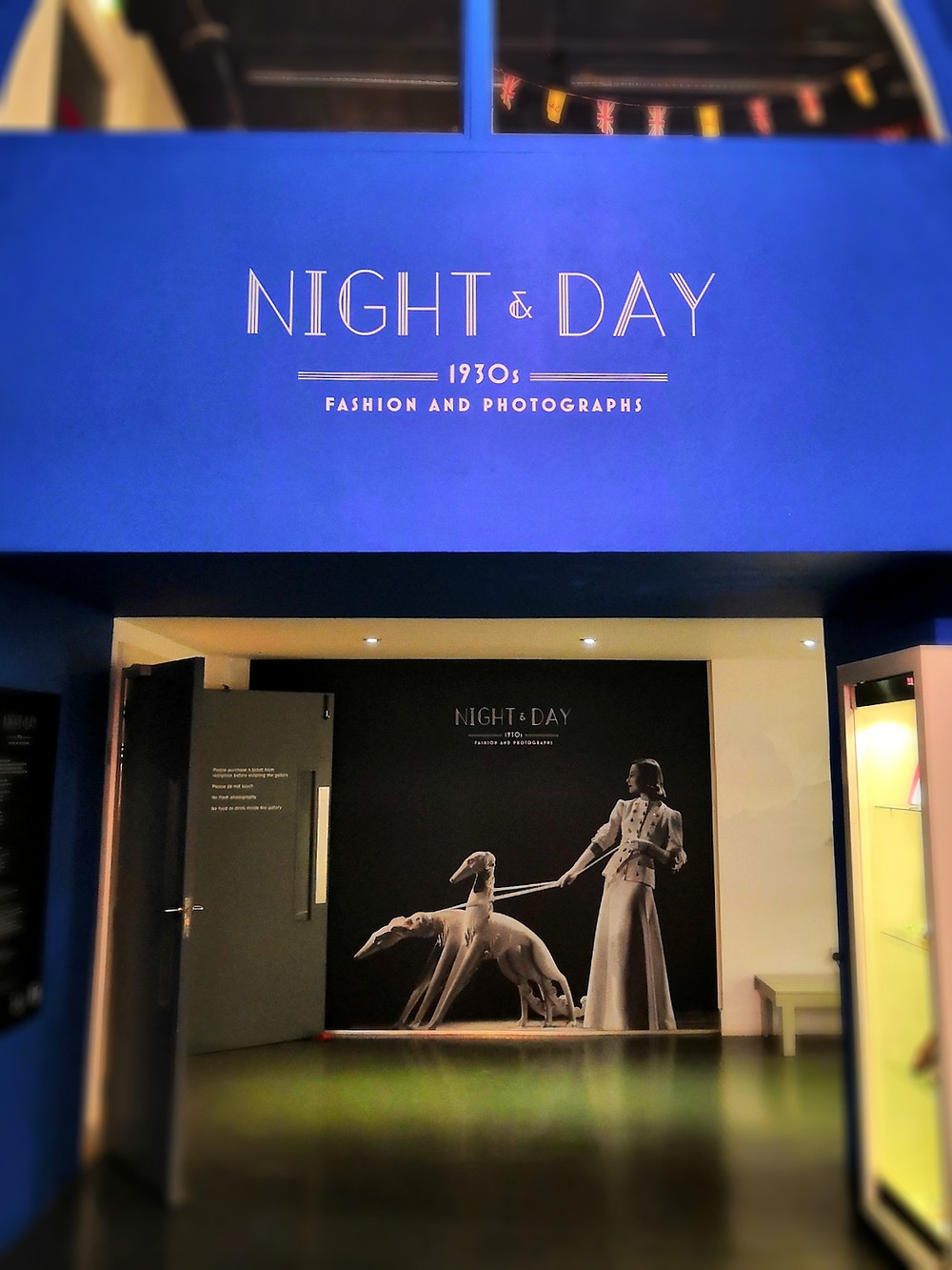 Night & day - 1930s fashion and photographs
