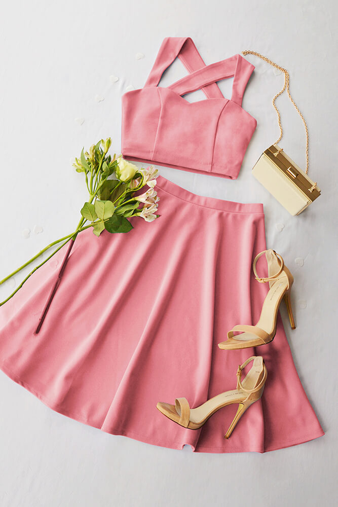 This ultra-feminine look is perfect for your bridesmaids at a vintage-inspired wedding.  Just add a beautiful bouquet!