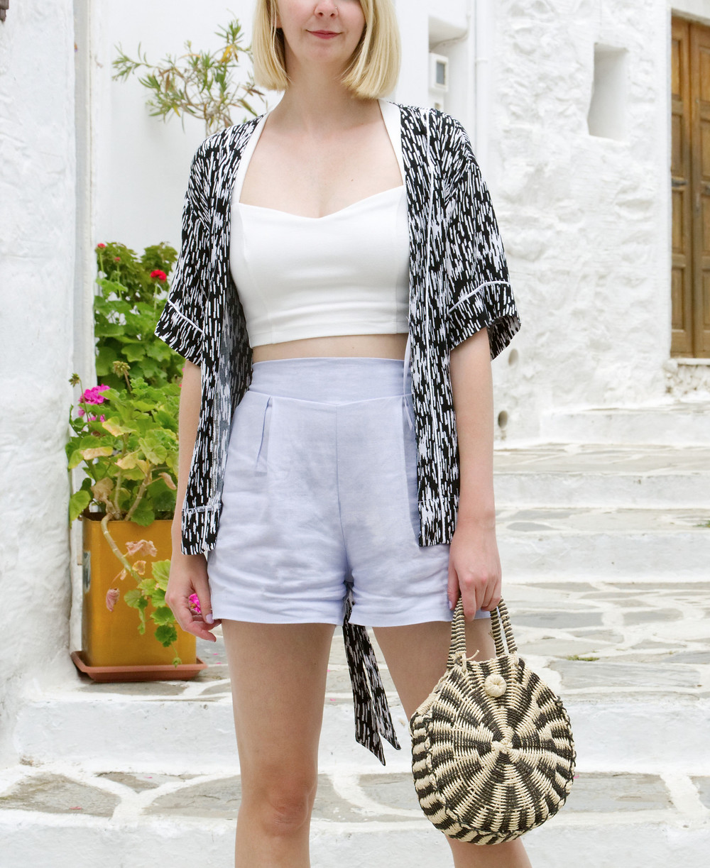 Holiday outfit with kimono, crop top and shorts